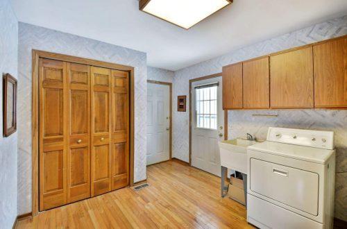 18-laundry-room