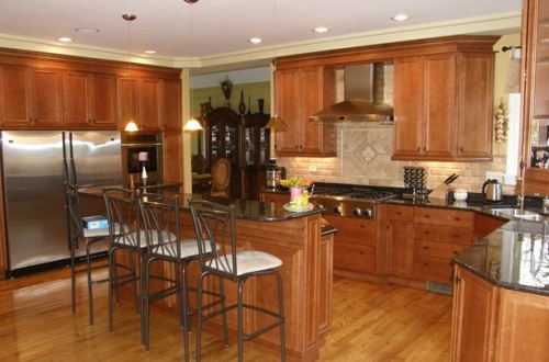 c_Gorgeous kitchen with double oven, large refridgerator, and much more are ready for you