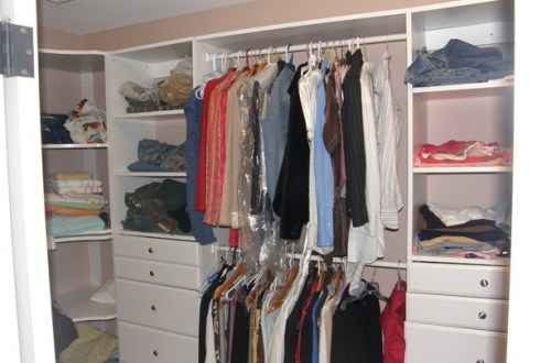 i_Master bedroom walk in closet with organizers
