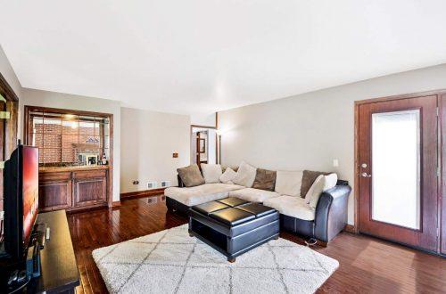 14-family-room