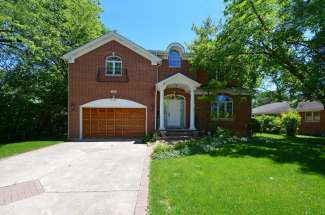 1105 Heatherfield Lane – Glenview – Sold for $875,000