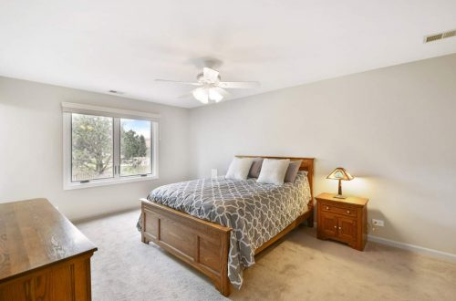16-master-bed