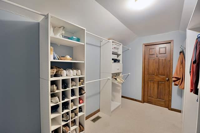 n walk in closet