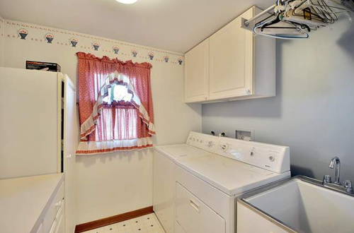 l laundry room