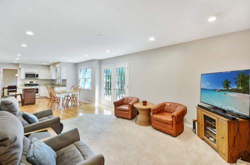 11-family-room