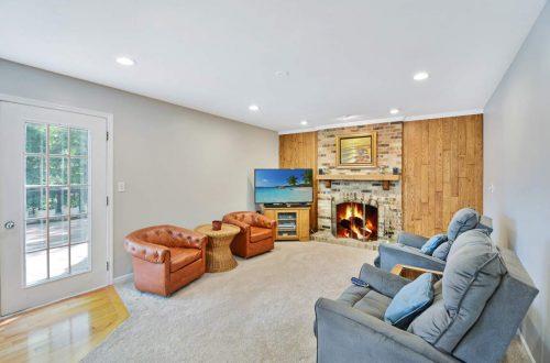 12-family-room