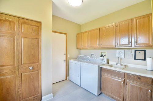 16-laundry-room
