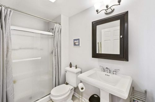 34-bathroom
