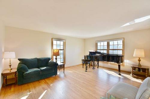 e living room