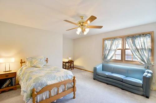 q bedroom 4