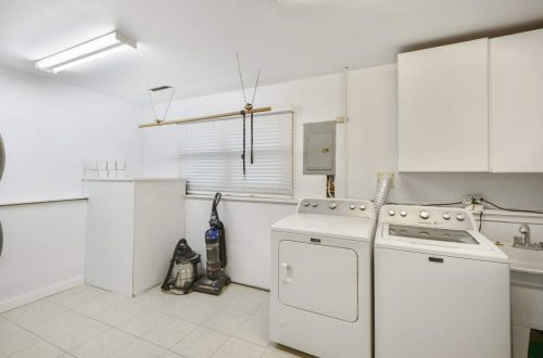 26-laundry-room