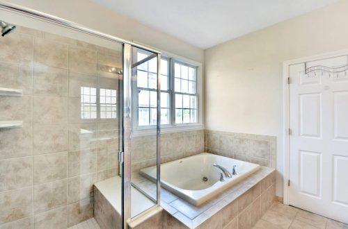 23-master-bath