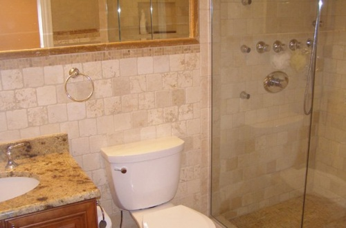 p_Full lower level bath and seperate shower with body spray jets