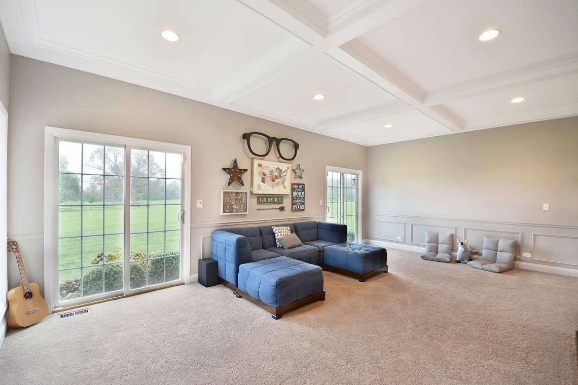 09 living room