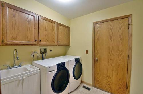 j laundry room