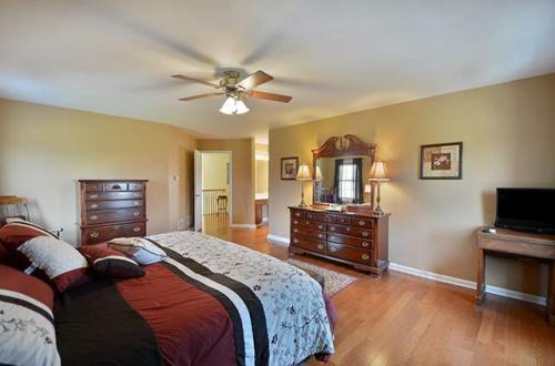 q master bedroom