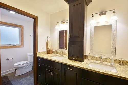 17 2nd bathroom