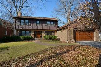 636 Hunter Road – Glenview – Sold for $670,000