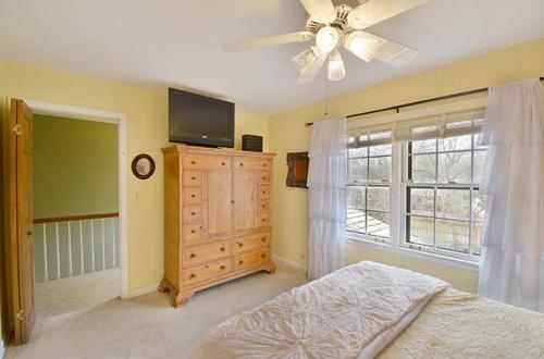 r bedroom 2