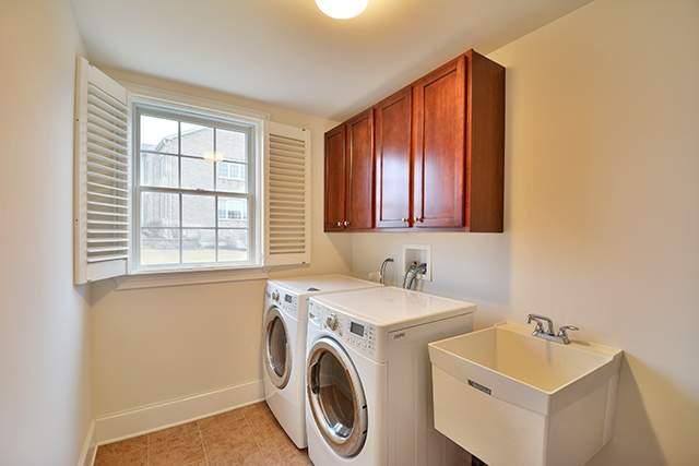 l laundry room