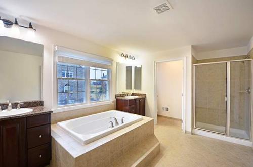 q master bath