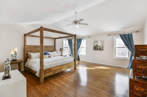 19 master bed