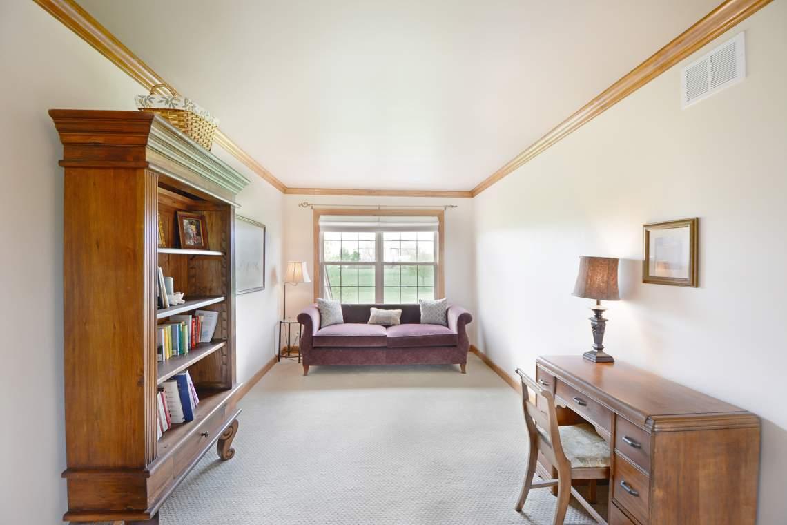24 sitting room