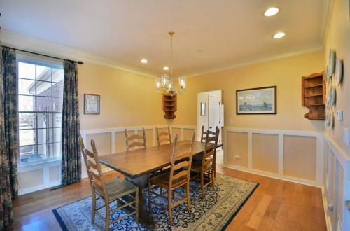17 dining room
