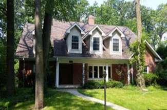 924 E Glenwood Road – Glenview – Sold for $730,000 – Buy Side